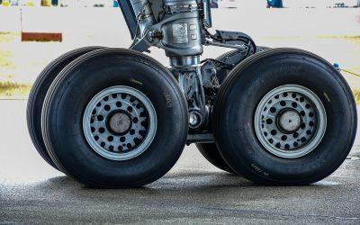 plane-tire-4688938_960_720